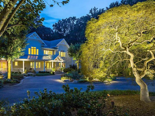 A benefit of landscape lighting is it increases curb appeal